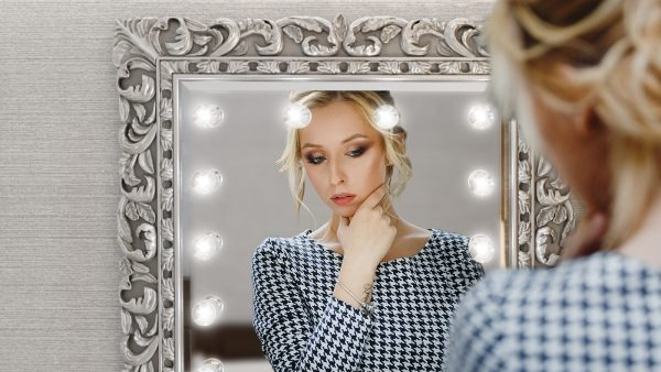 See your beauty in mirror
