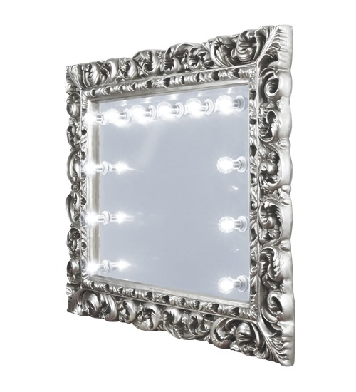 Complement with the sparkling mirror